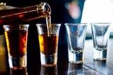 Foto: El Principado deberá elaborar un plan específico sobre consumo de alcohol en menores antes de finalizar junio