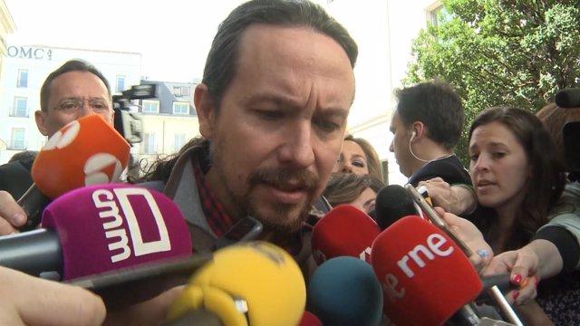 Iglesias comparece ante los medios a su llegada al Congreso de los Diputados