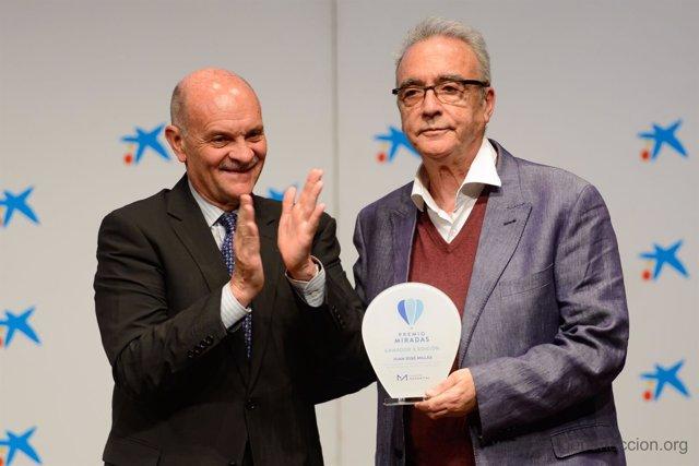 Juan José Millas recibe el Premio Miradas de Fundación Manantial