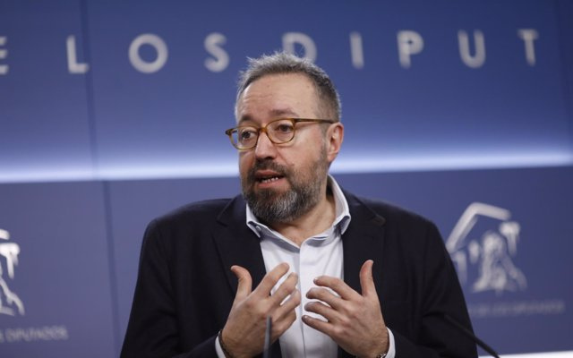Girauta (Cs) asegura que 'empieza a ser hora' de que Agramunt y Xuclá dejen de avergonzar a España 'por el mundo'