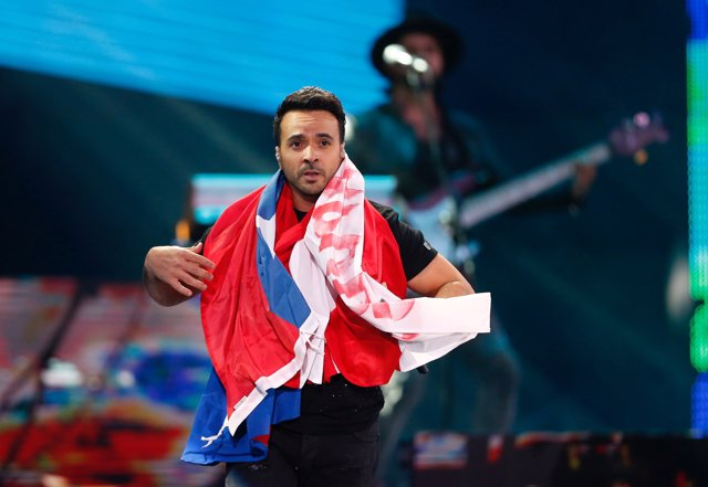 Puerto Rican singer Luis Fonsi performs during the 59th International Song Festi