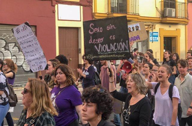 Manifestación contra la sentencia de 'La Manada' en Sevilla