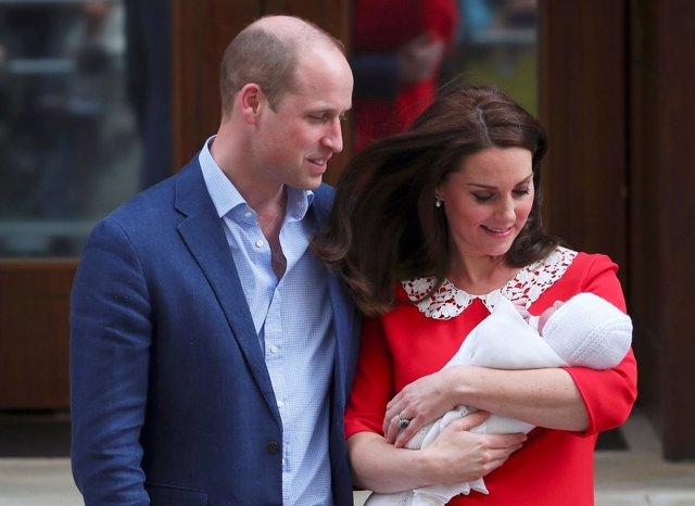ab2fe794c2 Los Duques de Cambridge llaman Luis a su tercer hijo