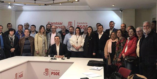 Cortés presenta su candidatura a las primarias del PSOE de Cantabria
