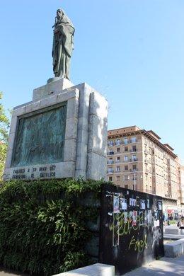 Monumento a Fernando El Católico en la plaza de San Francisco de Zaragoza.