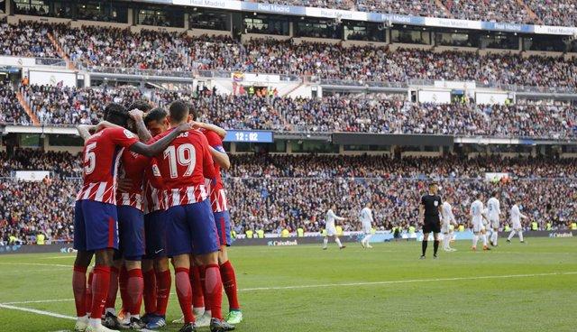 El Atlético celebrando el gol de Griezmann