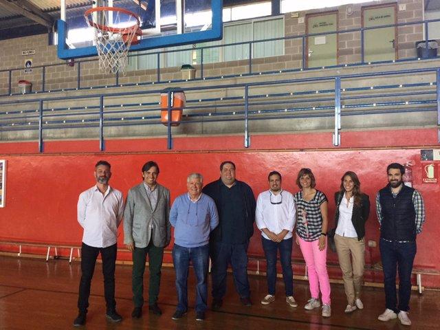 Conseller insular de Cultura visita obras del pabellón municipal de Alcúdia