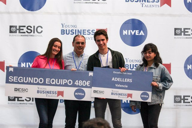 Los ganadores del segundo premio de Young Business Talents
