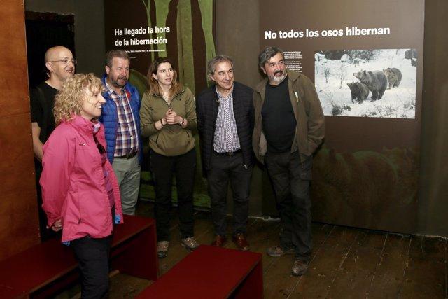 Díaz Tezanos visita la Casa del Oso