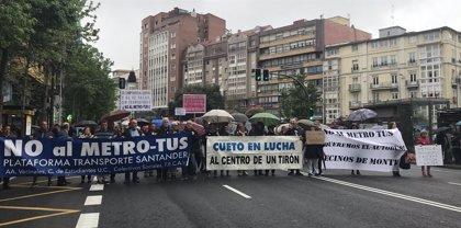 """Unos 300 vecinos piden """"arreglar el desaguisado"""" del Metro-TUS"""