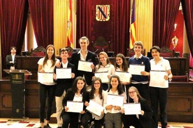 Colegio San Cayetano gana la liga de debate provincial