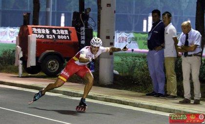 El español Ioseba Fernández bate el récord del mundo de los 300 metros circuito de patinaje de velocidad