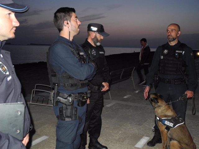 Policía Local y Guardia Civil detienen a un taxista pirata