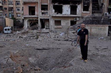 Intensos combates entre el Ejército sirio y el Estado Islámico al sur de Damasco