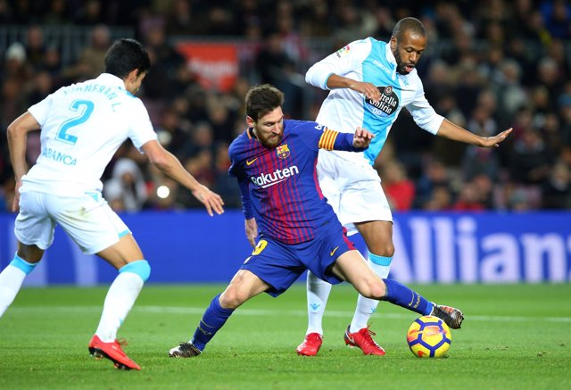 Barcelona Deportivo Leo Messi Juanfran Sidnei