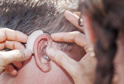 """La Confederación de Familias de Personas Sordas califica de """"agridulce"""" el acuerdo para aumentar cobertura de audífonos"""