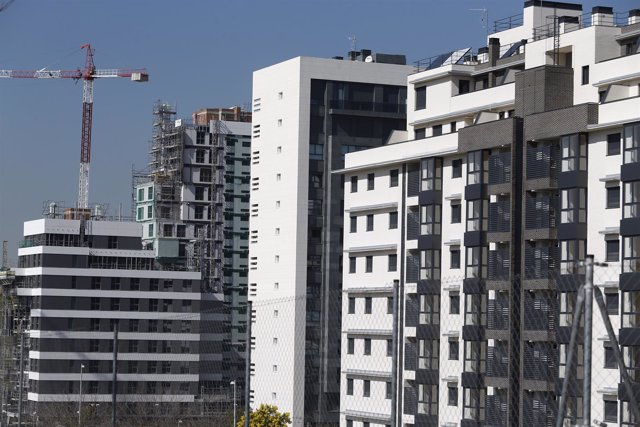 Los visados para construir viviendas repuntan un 27% en febrero
