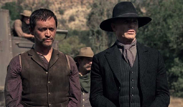 Clifton Collins Jr. Y Ed Harris en Westworld