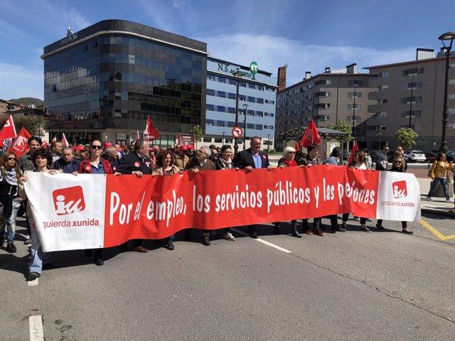 Dirigentes de IU en la manifestación del 1 de mayo en Langreo