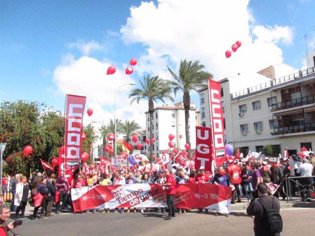 Cabecera de la manifestación del 1º de Mayo en Mérida