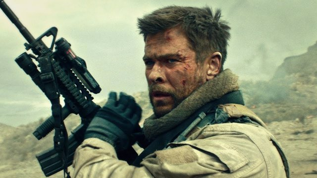 Chris Hemsworth en 12 valientes