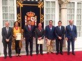 Foto: Catalá entrega en Sevilla tres condecoraciones de la Orden de San Raimundo de Peñafort