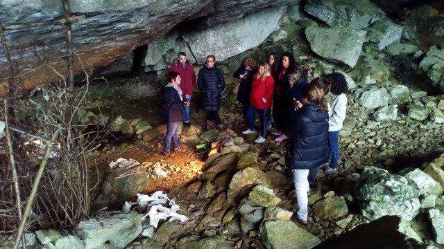 Visita a la cueva de Sopeña