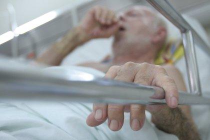 El Congreso debate una ley catalana para despenalizar la eutanasia en casos terminales y con dolor crónico