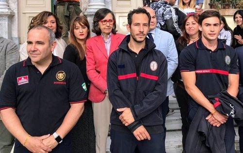 Los tres bomberos españoles antes del juicio en Lesbos