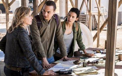 El 4x04 de Fear The Walking Dead resuelve algunos de sus grandes agujeros de guion