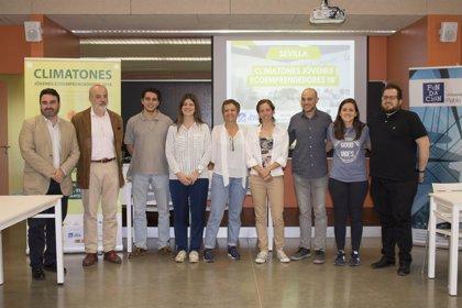 Un armario virtual y un sistema para reutilizar el agua de ducha, proyectos ganadores del 'Climatón de Sevilla'