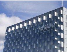 Telefónica i Google s'uneixen per oferir solucions de col·laboració al núvol a grans empreses (EUROPA PRESS)