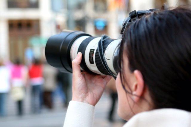 Una mujer fotógrada