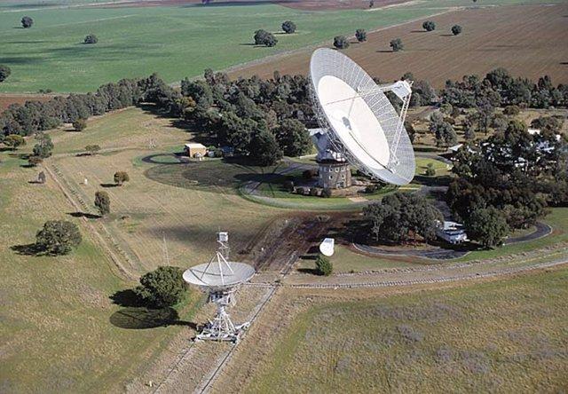 Antena de 64 metros en Parkes