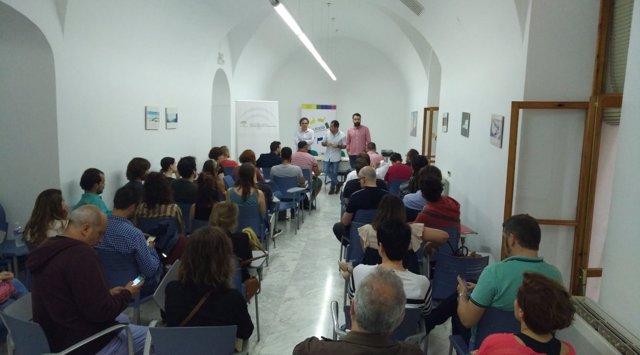 Encuentro con creadores organizado por el IAJ
