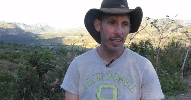 El biólogo cubano Ariel Ruiz Urquiola