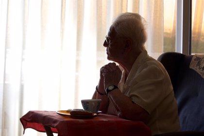 Mujeres mayores de 65 años sin hijos, con más posibilidades de vivir solas