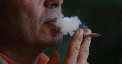 El humo de tercera mano persiste en el ambiente más de lo que se pensaba