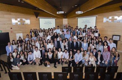 HM Hospitales celebra la despedida de la 7ª promoción de medicina formada en el grupo y la Universidad CEU San Pablo