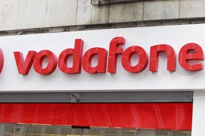 Moody's pone en revisión con posibilidad de rebaja el rating de Vodafone tras comprar activos a Liberty Global