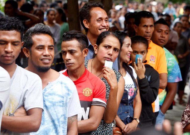 Colas para votar en Timor Oriental