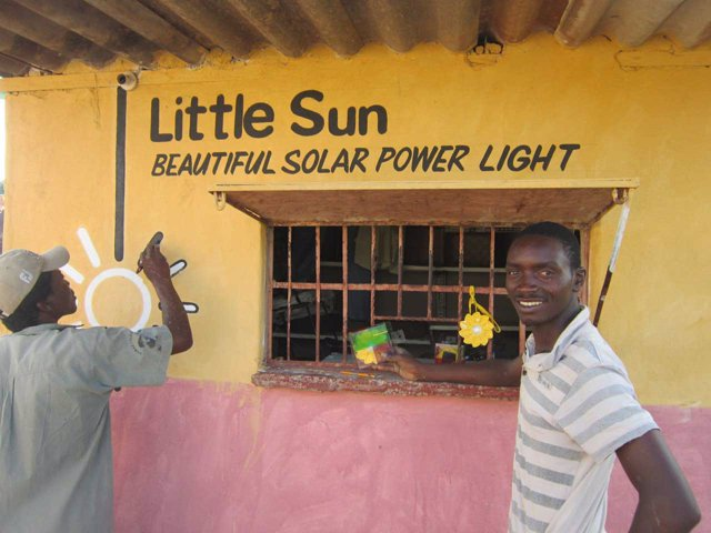 Punto de venta de Little Sun en Zimbabue
