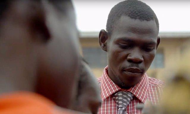 Louis Lakor, jefe taller juvenil en Uganda