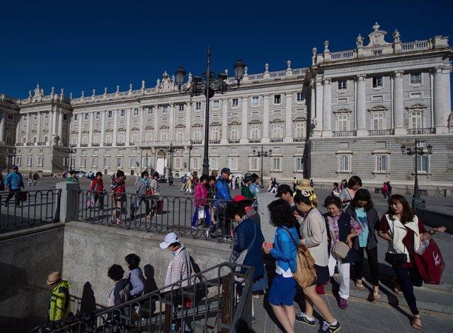 Turista en Madrid en junio
