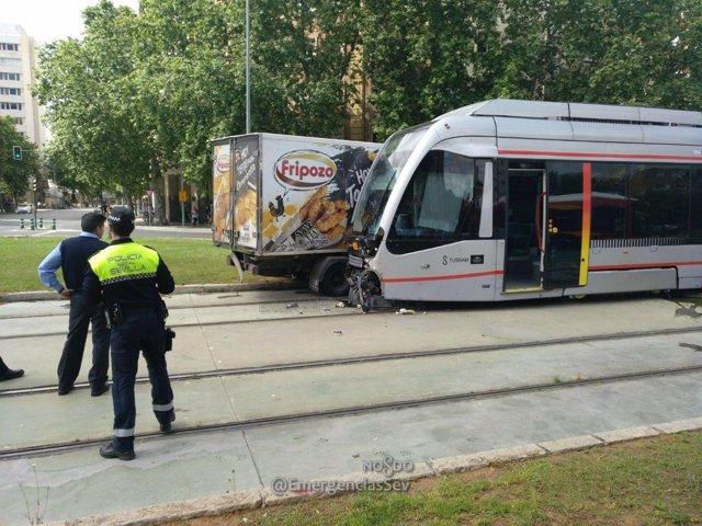 Metrocentro y camión siniestrados