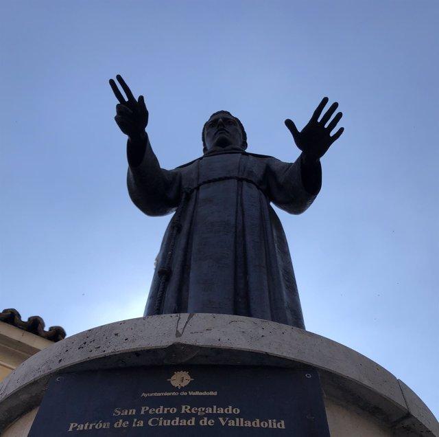 Estatua de San Pedro Regalado en Valladolid