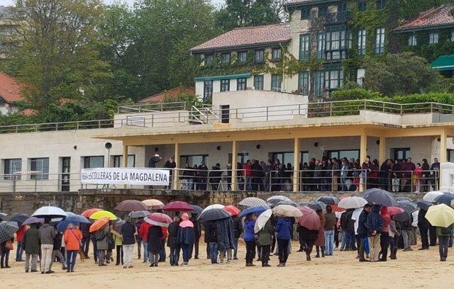 Nueva protesta contra las escolleras de la Magdalena