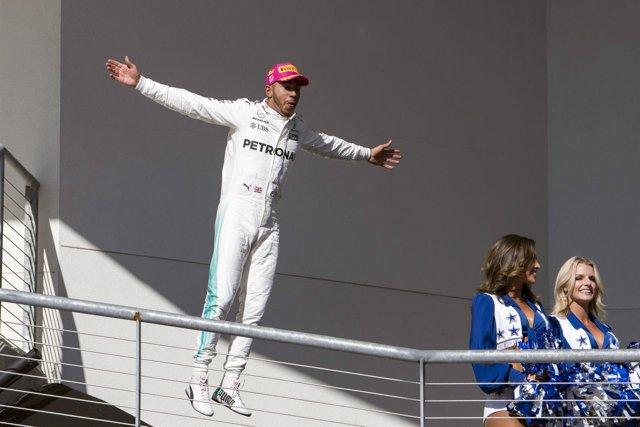 Lewis Hamilton celebra su victoria en el GP Estados Unidos