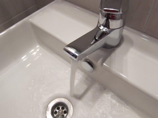 Grifo, agua (Foto Archivo)