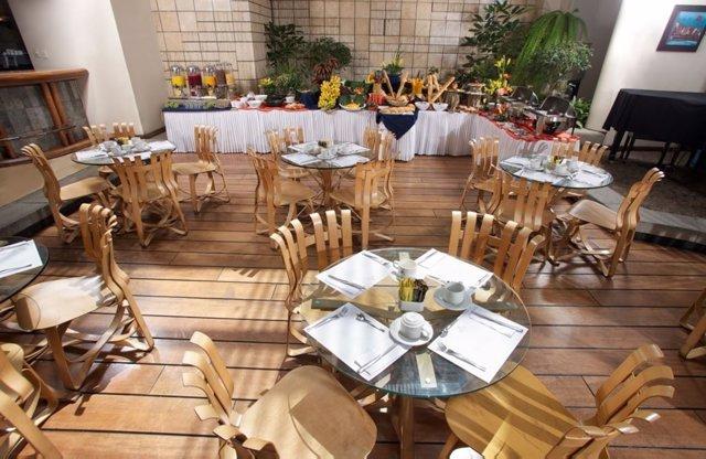 Hotel Akros de BlueBay Hotels
